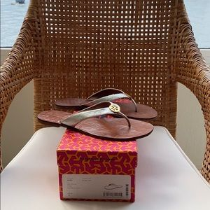 Tory Burch Thora Leather Thong Silver Sandals